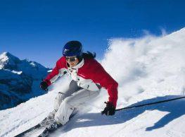 Beim Skifahren sollte jeder seine Augen durch die richtige Sonnenbrille schützen, denn es kommt nicht nur auf den optimalen UV-Schutz an, sondern auch auf die Form. Nur wenn die Brille dicht am Kopf absch ließt, kann von oben oder von der Seite kein Licht eindringen. Unabhängig vom Preis haben alle Sonnenbrillen… Mehr lesen…